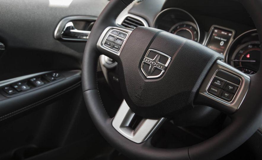 2016 Dodge Journey Crossroad Plus - Slide 35