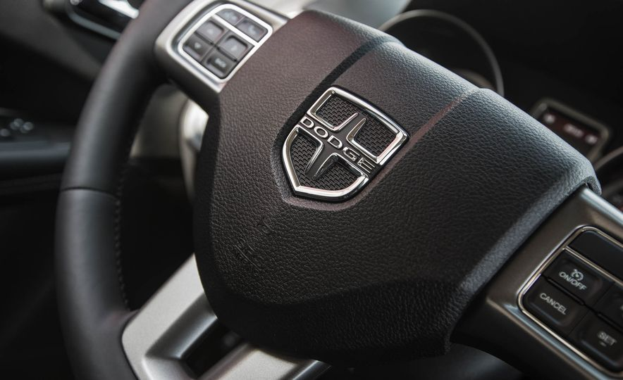 2016 Dodge Journey Crossroad Plus - Slide 36