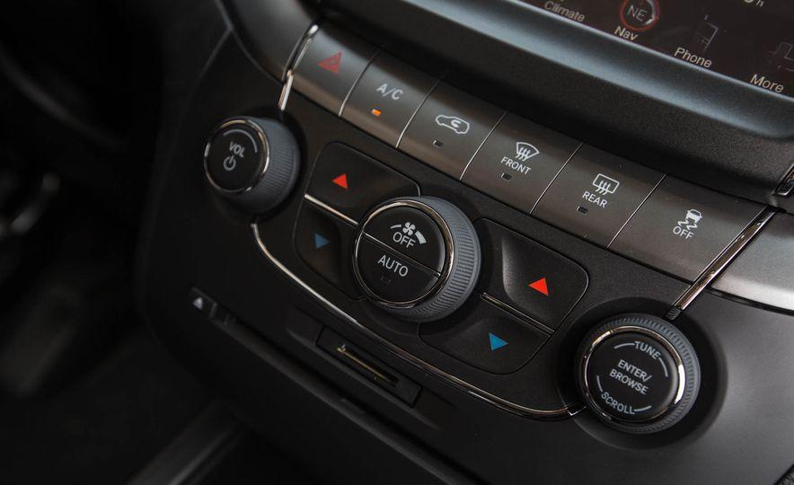 2016 Dodge Journey Crossroad Plus - Slide 39