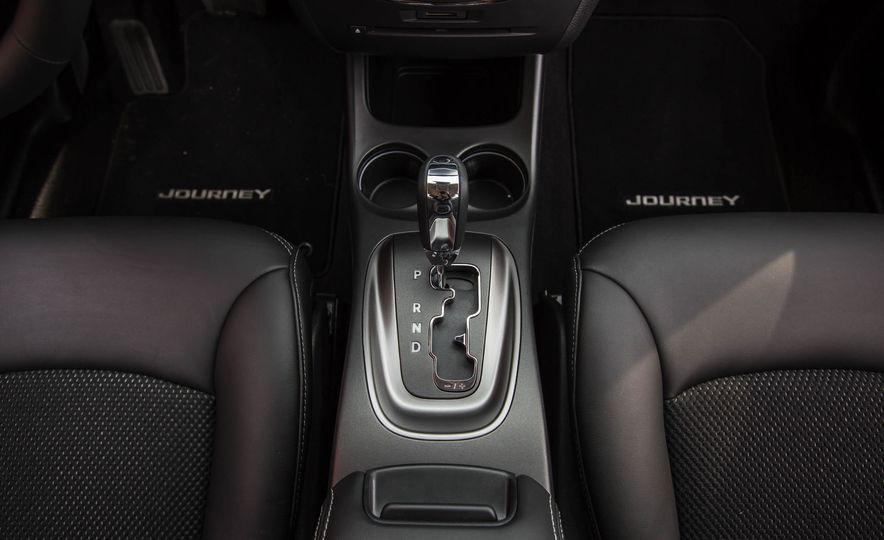 2016 Dodge Journey Crossroad Plus - Slide 40