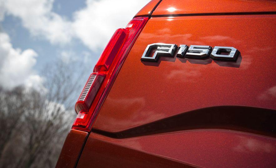 2016 Ford F-150 SuperCrew 4x4 - Slide 21
