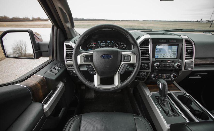 2016 Ford F-150 SuperCrew 4x4 - Slide 34