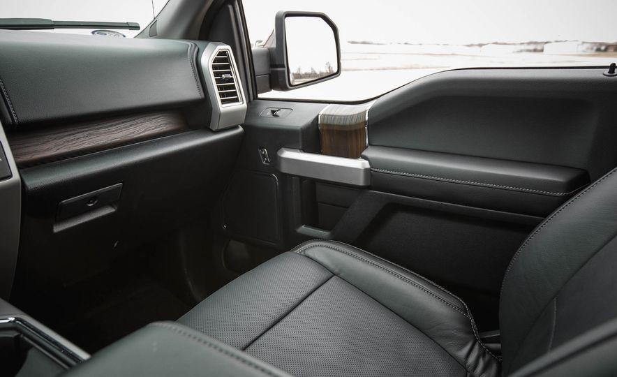 2016 Ford F-150 SuperCrew 4x4 - Slide 35