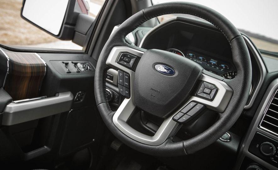 2016 Ford F-150 SuperCrew 4x4 - Slide 36