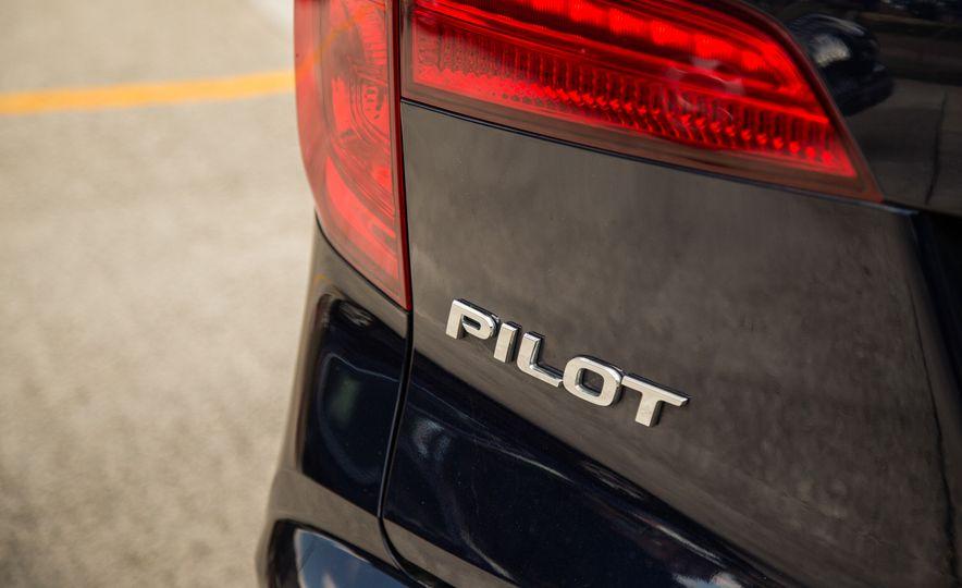2016 Honda Pilot Elite AWD - Slide 65