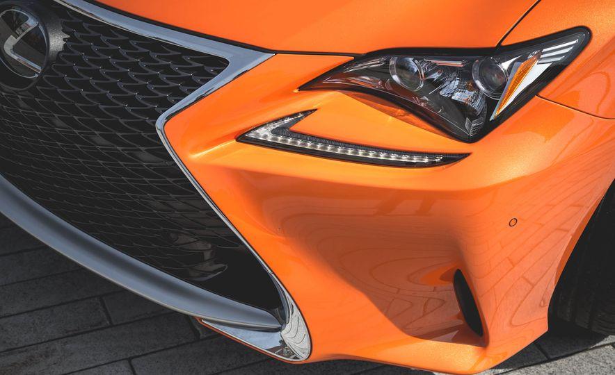 2016 Lexus RC200t F Sport - Slide 21