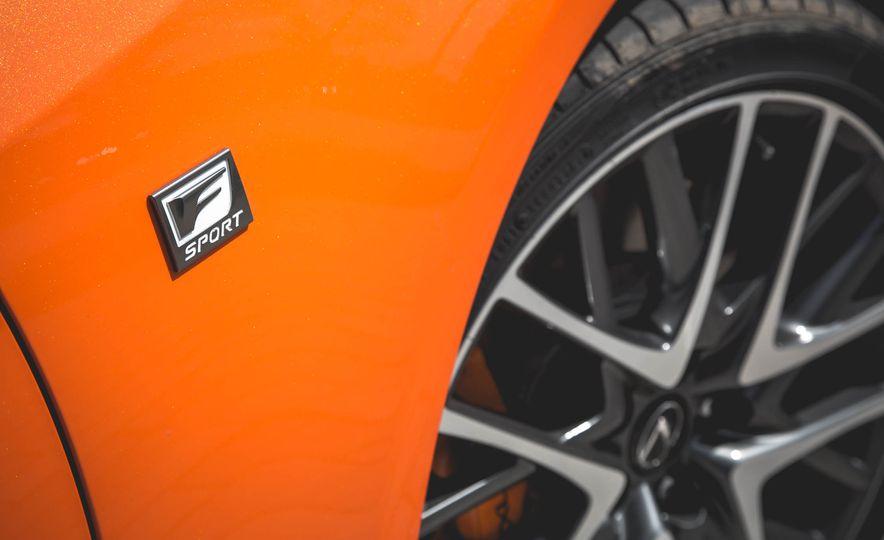 2016 Lexus RC200t F Sport - Slide 24