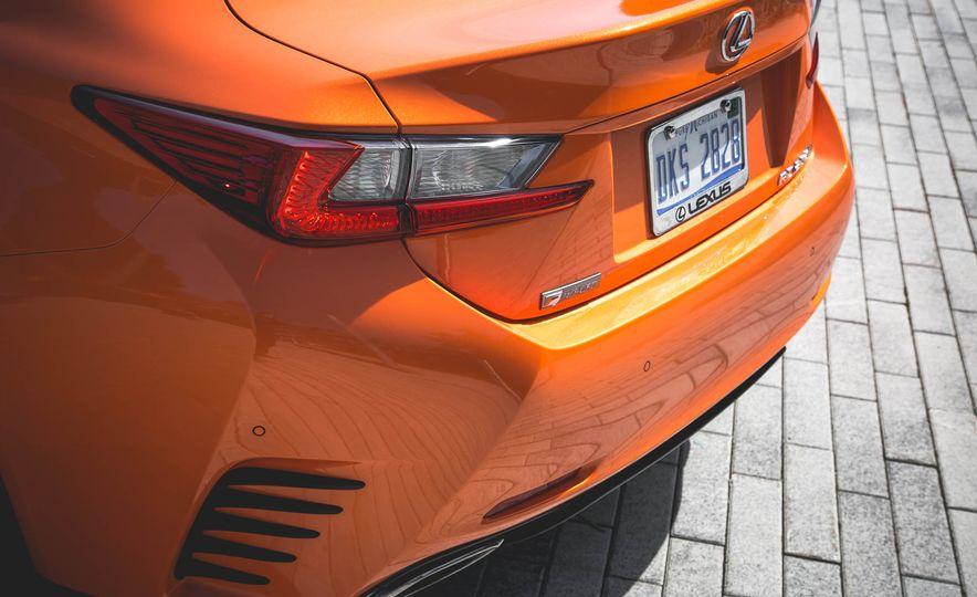 2016 Lexus RC200t F Sport - Slide 25