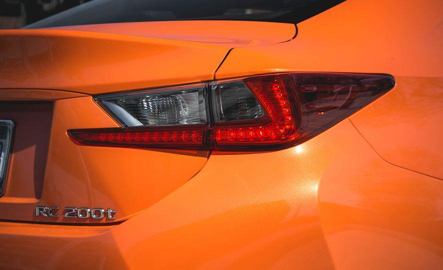 2016 Lexus RC200t F Sport - Slide 28