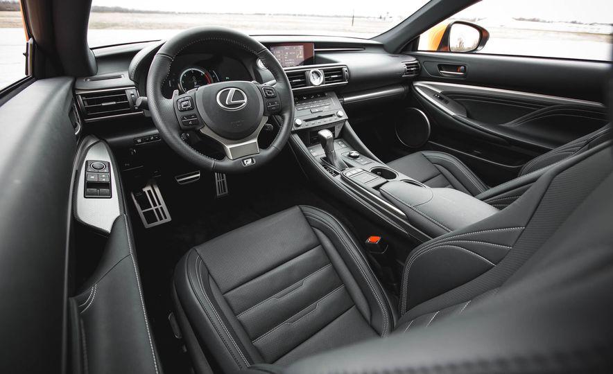 2016 Lexus RC200t F Sport - Slide 30