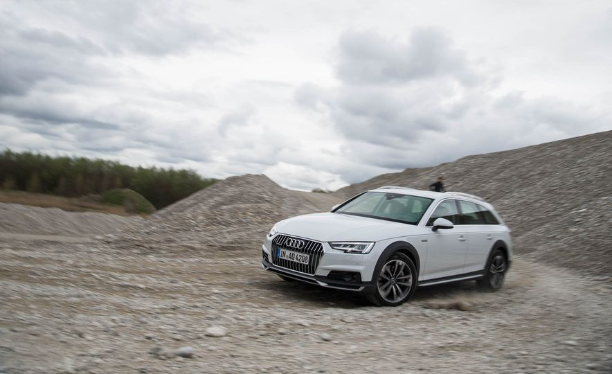 2017 Audi A4 Allroad - Slide 10