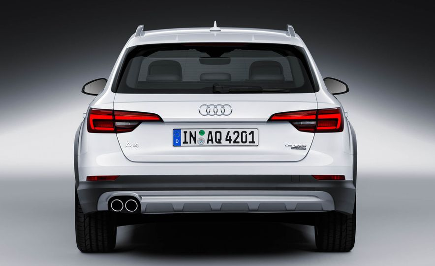 2017 Audi A4 Allroad - Slide 25