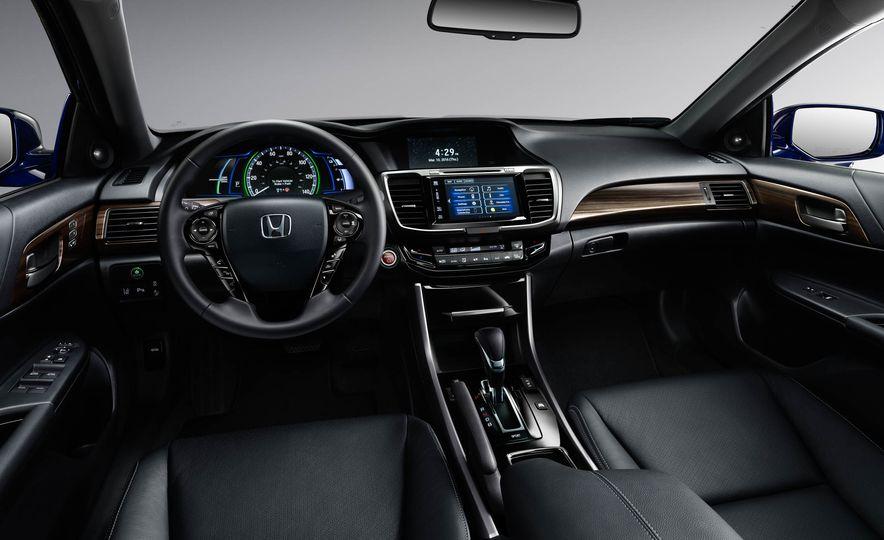 2017 Honda Accord hybrid - Slide 7
