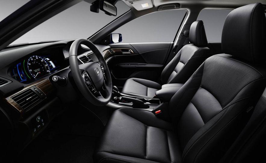 2017 Honda Accord hybrid - Slide 8