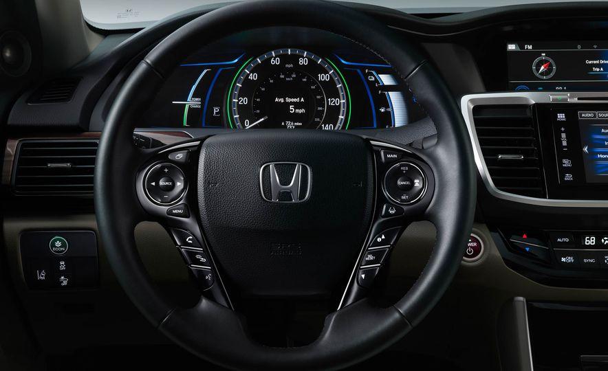 2017 Honda Accord hybrid - Slide 10