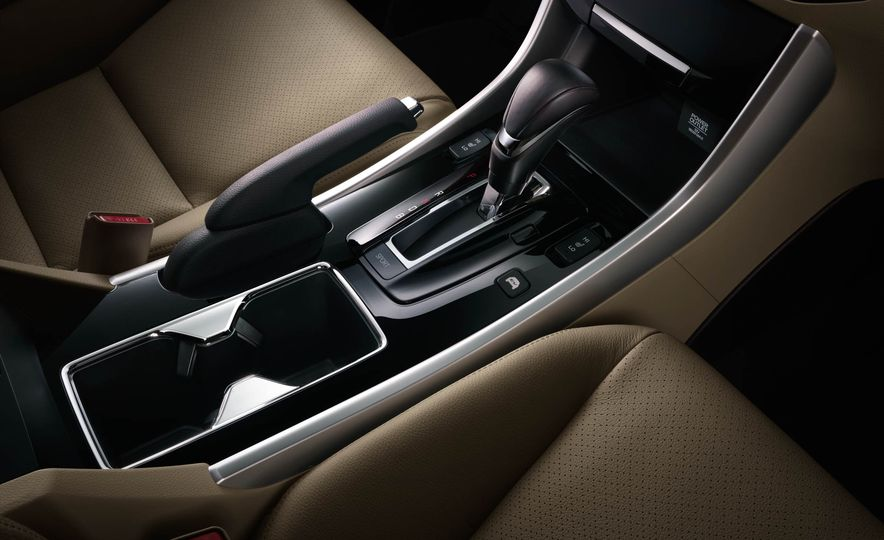 2017 Honda Accord hybrid - Slide 13