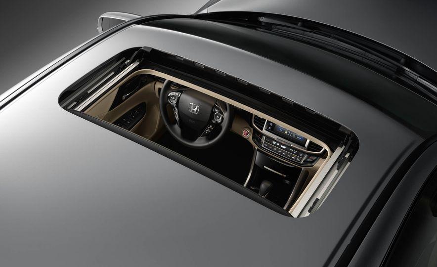 2017 Honda Accord hybrid - Slide 15