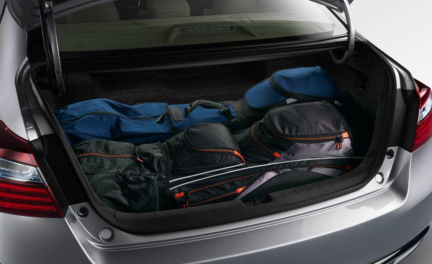 2017 Honda Accord hybrid - Slide 17