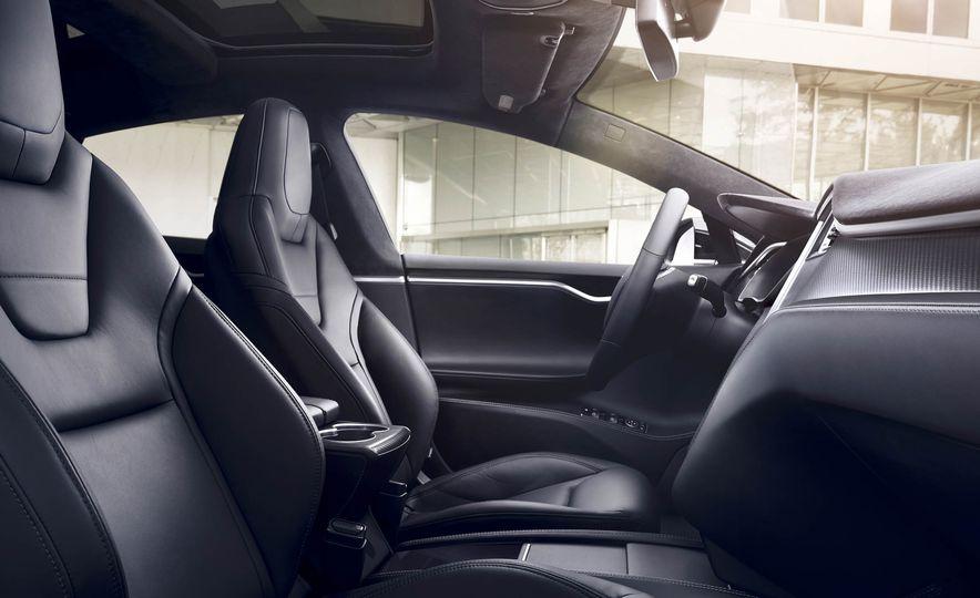 2017 Tesla Model S P90D - Slide 4