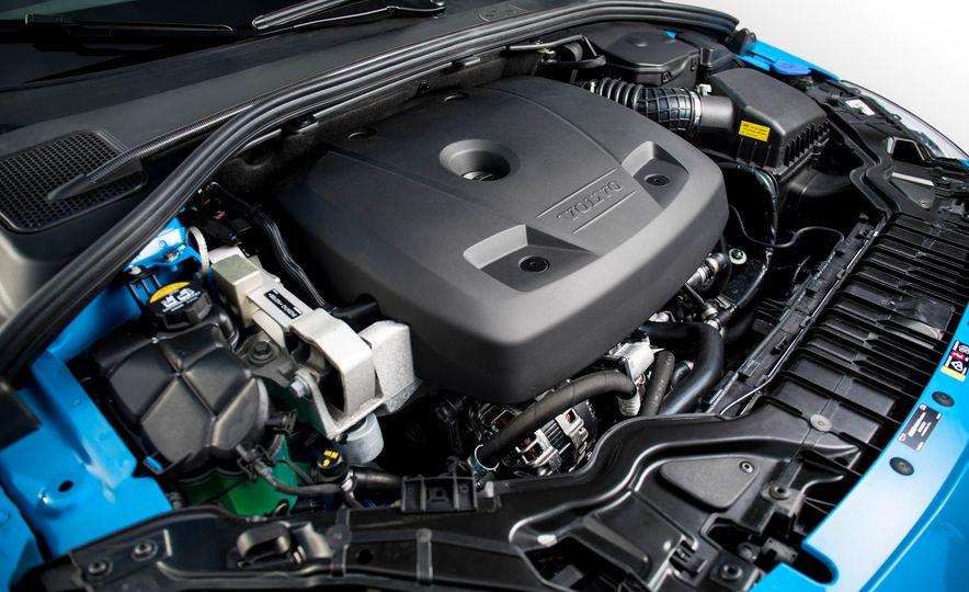2017 Volvo S60 Polestar - Slide 32