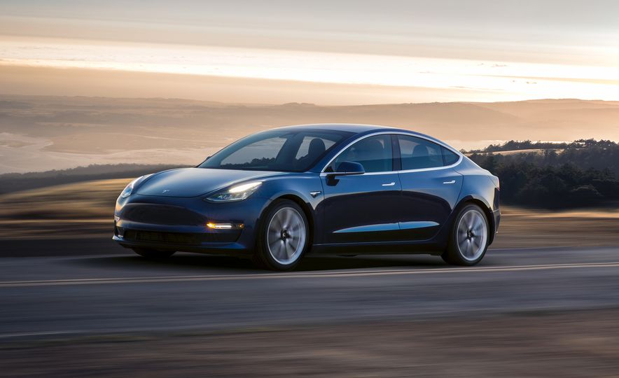 2018 Tesla Model 3 - Slide 1