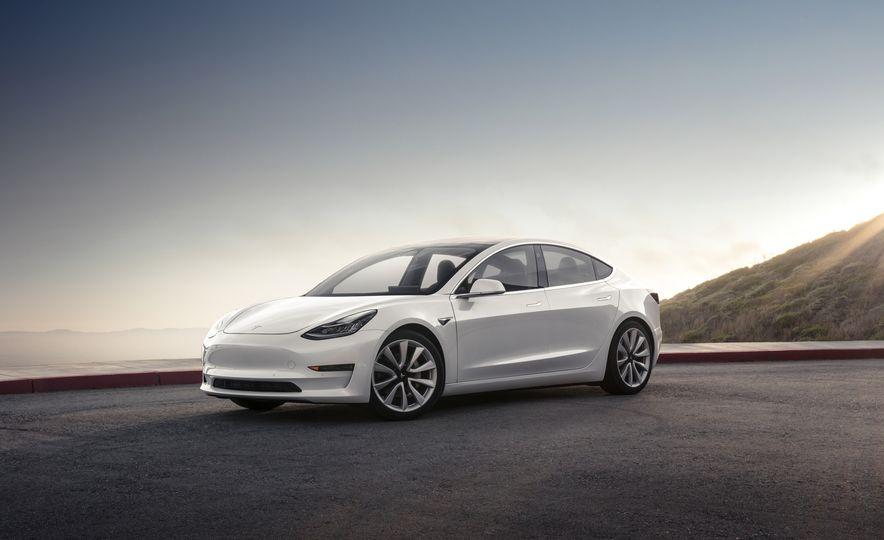2018 Tesla Model 3 - Slide 3
