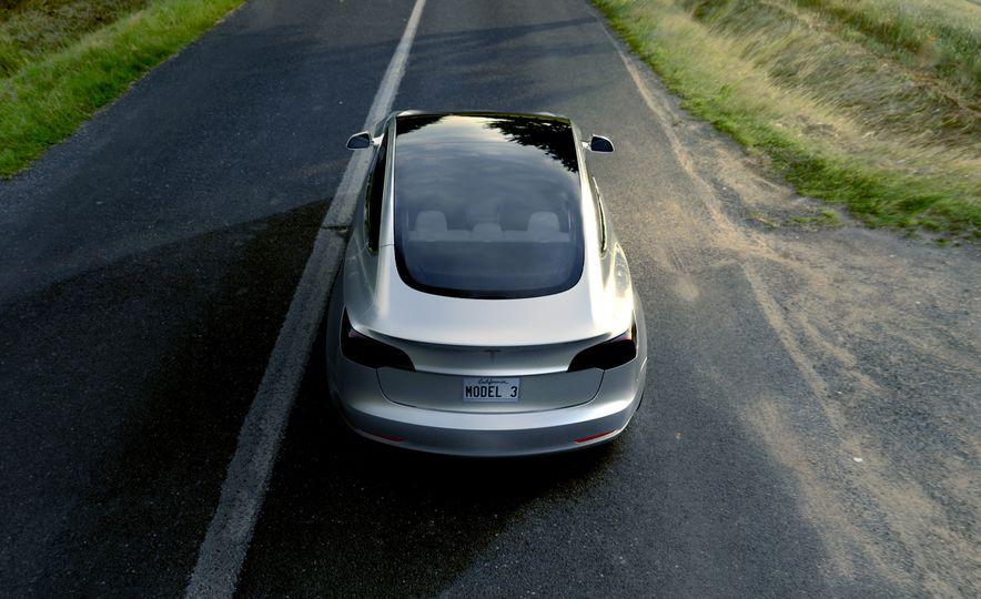 2018 Tesla Model 3 - Slide 8