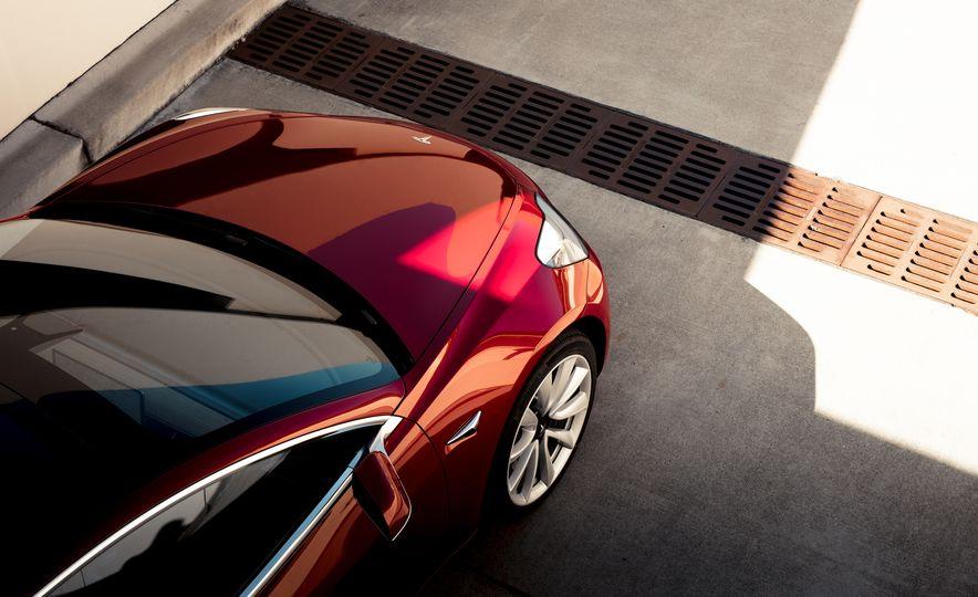 2018 Tesla Model 3 - Slide 10