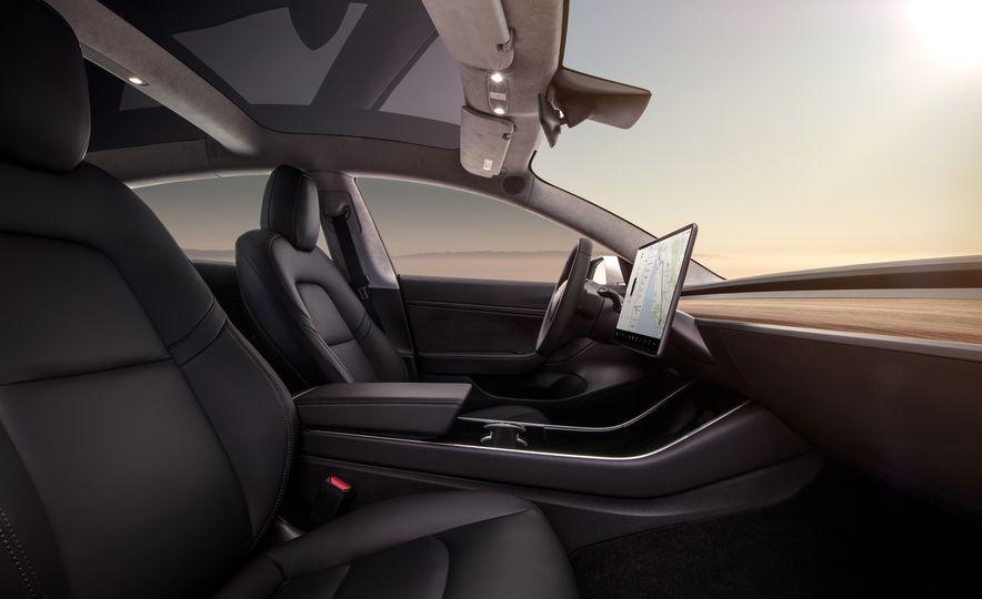 2018 Tesla Model 3 - Slide 12