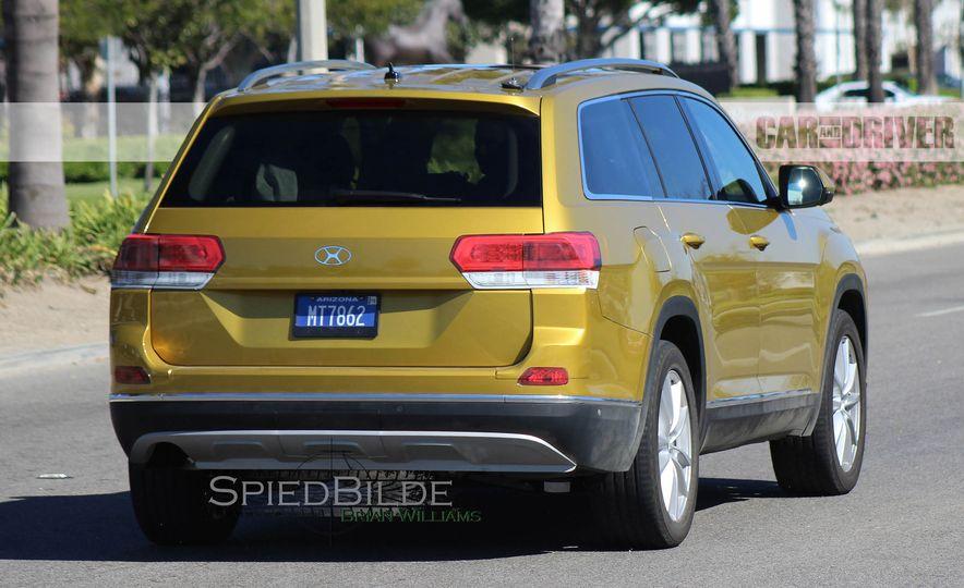2018 Volkswagen three-row crossover (spy photo) - Slide 4