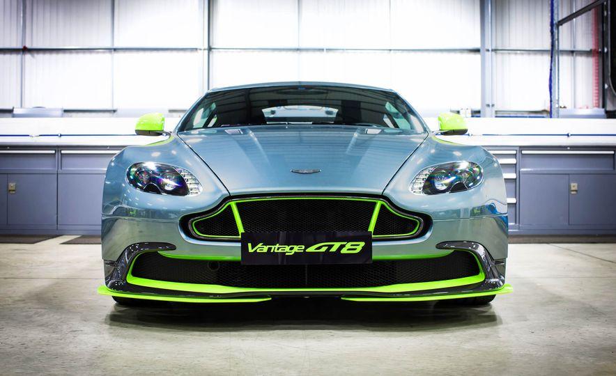 Aston Martin Vantage GT8 and Aston Martin Vantage race car - Slide 3