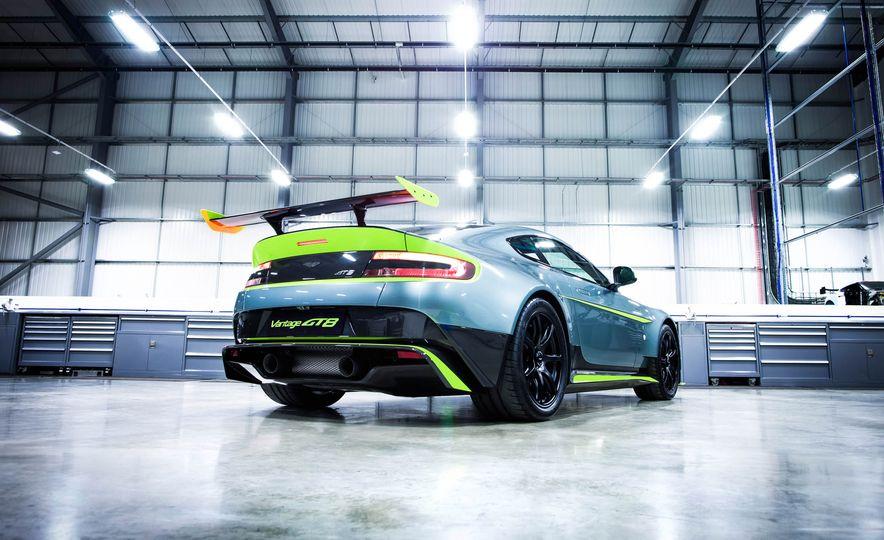 Aston Martin Vantage GT8 and Aston Martin Vantage race car - Slide 5