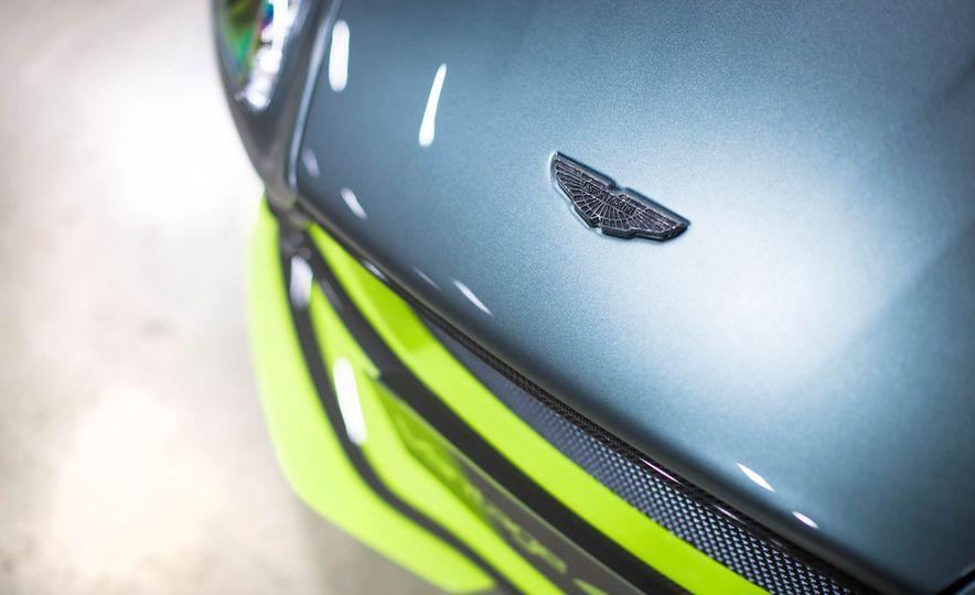 Aston Martin Vantage GT8 and Aston Martin Vantage race car - Slide 8