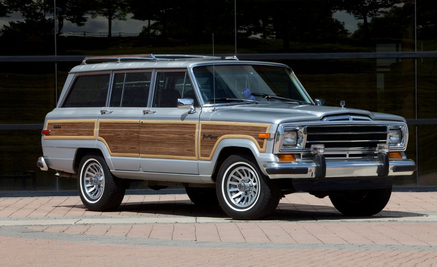 20 Old-School Off-Road Rigs for Backcountry Adventure - Slide 2
