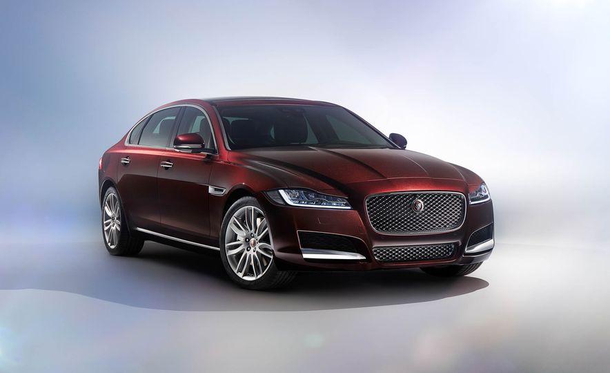 Jaguar XFL (Chinese spec) - Slide 2