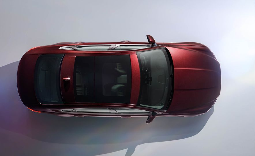 Jaguar XFL (Chinese spec) - Slide 4