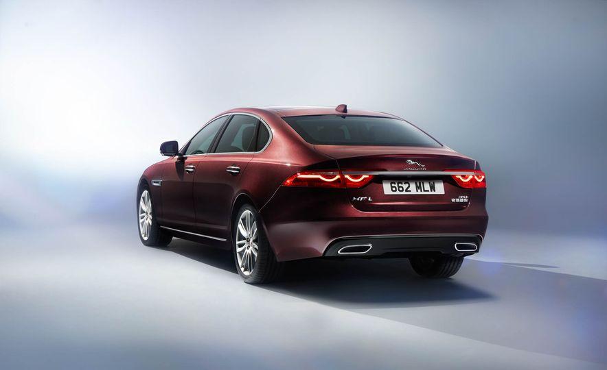 Jaguar XFL (Chinese spec) - Slide 5