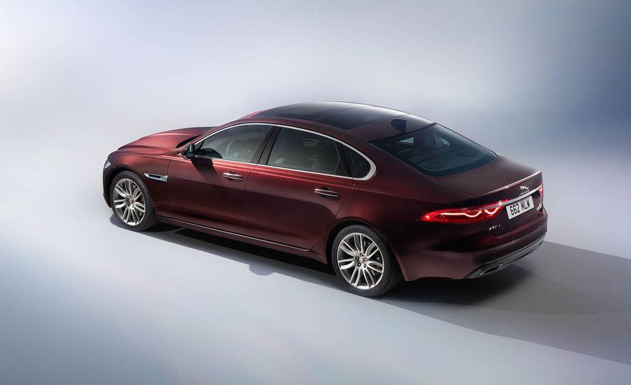 Jaguar XFL (Chinese spec) - Slide 6