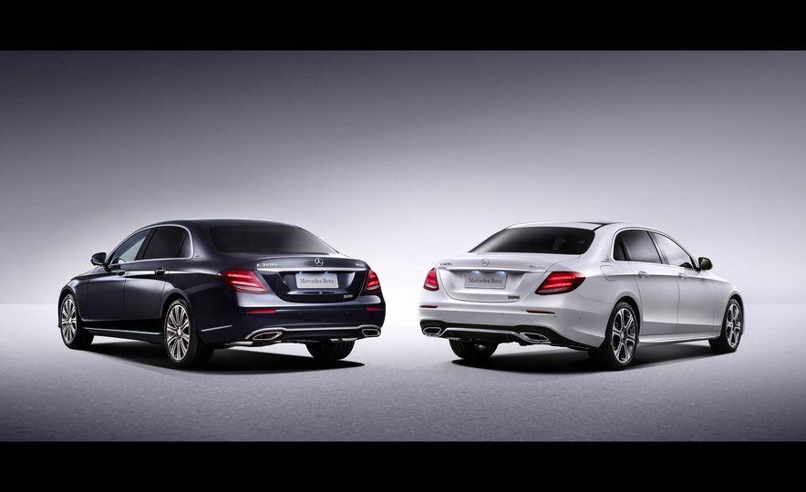 Mercedes-Benz E320L 4MATIC (Chinese spec) - Slide 4