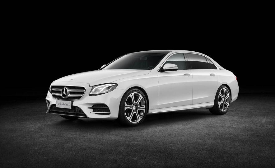 Mercedes-Benz E320L 4MATIC (Chinese spec) - Slide 7