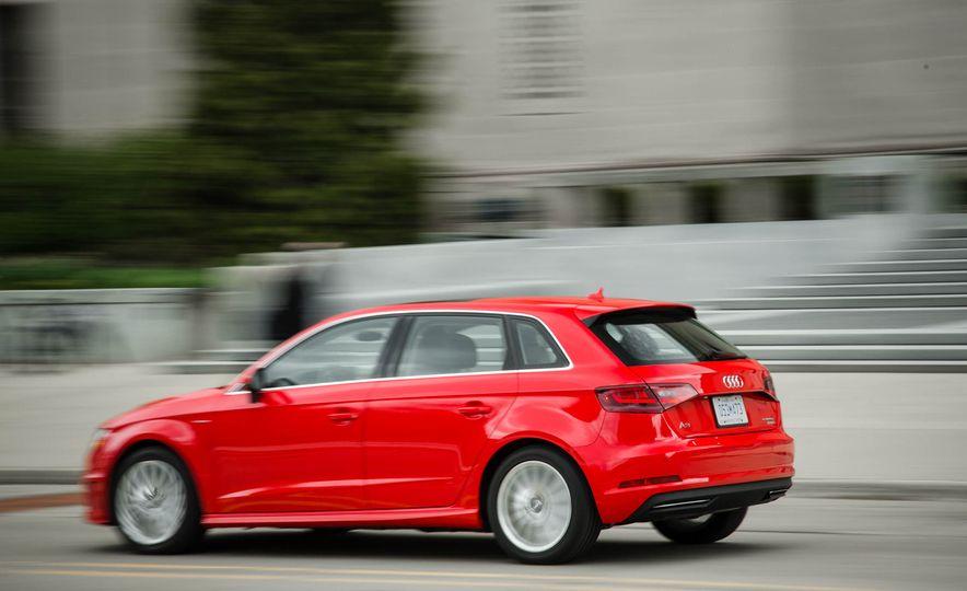 2016 Audi A3 e-tron Sportback - Slide 13