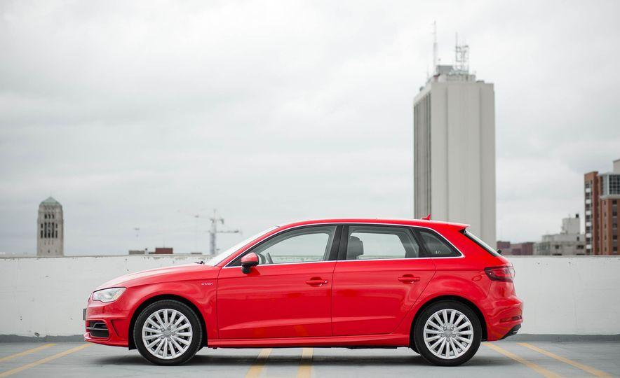 2016 Audi A3 e-tron Sportback - Slide 16