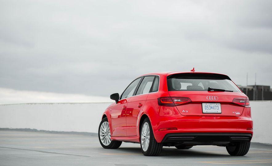 2016 Audi A3 e-tron Sportback - Slide 18