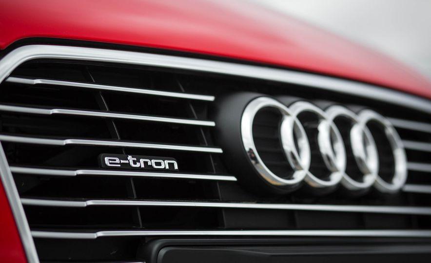 2016 Audi A3 e-tron Sportback - Slide 24