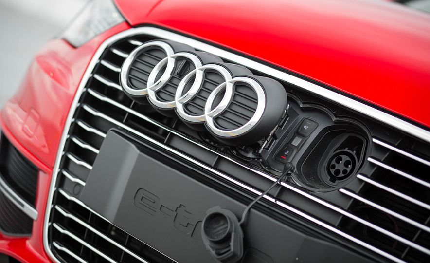 2016 Audi A3 e-tron Sportback - Slide 26