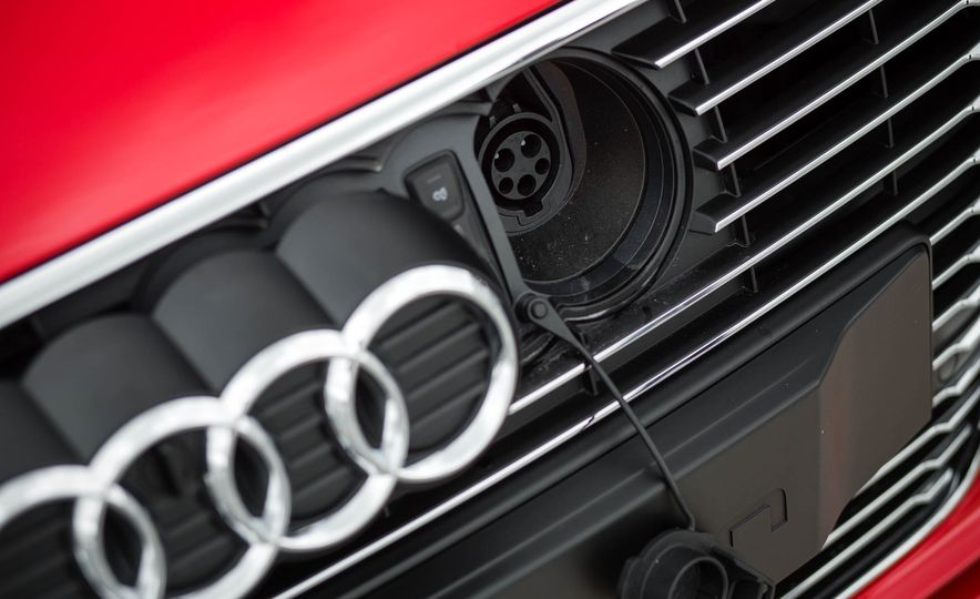 2016 Audi A3 e-tron Sportback - Slide 28