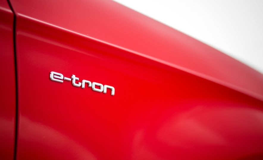 2016 Audi A3 e-tron Sportback - Slide 29