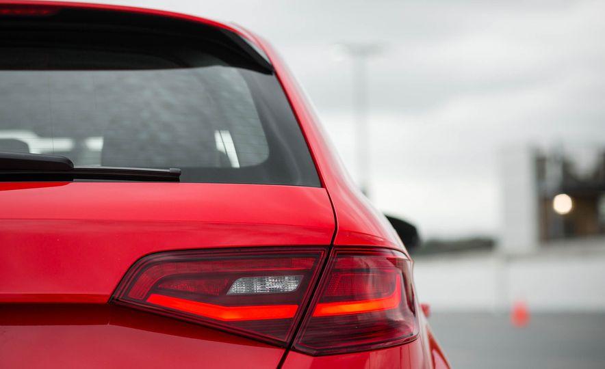 2016 Audi A3 e-tron Sportback - Slide 34
