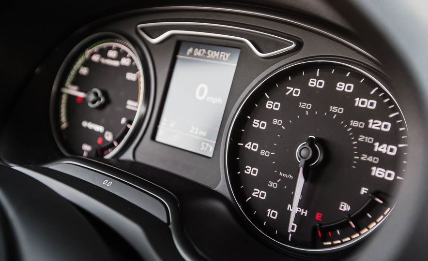 2016 Audi A3 e-tron Sportback - Slide 52