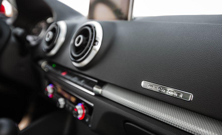2016 Audi A3 e-tron Sportback - Slide 60